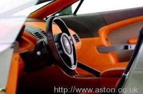 салон Астон Мартин Aston Martin AMV8 Vantage 2006. Кликните для просмотра фото автомобиля большего размера.