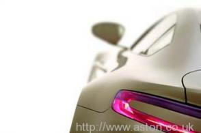 на трассе Астон Мартин Aston Martin AMV8 Vantage 2006. Кликните для просмотра фото автомобиля большего размера.