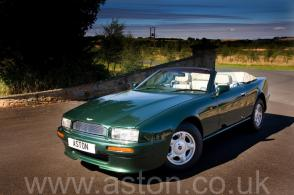 фото Астон Мартин Aston Martin Virage Volante 1992. Кликните для просмотра фото автомобиля большего размера.