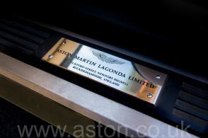 красивый Астон Мартин Aston Martin Virage Volante 1992. Кликните для просмотра фото автомобиля большего размера.