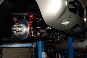 фотография Астон Мартин Aston Martin DB5 1965. Кликните для просмотра фото автомобиля большего размера.