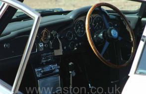 фотографии Астон Мартин Aston Martin DB5 1965. Кликните для просмотра фото автомобиля большего размера.
