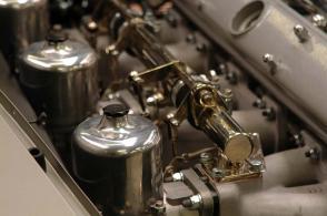 вид Астон Мартин Aston Martin DB5 1965. Кликните для просмотра фото автомобиля большего размера.
