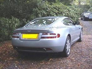 вид Астон Мартин Aston Martin DB9 Coupe 2005. Кликните для просмотра фото автомобиля большего размера.
