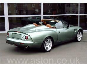 вид Астон Мартин Aston Martin DB AR1 2004. Кликните для просмотра фото автомобиля большего размера.