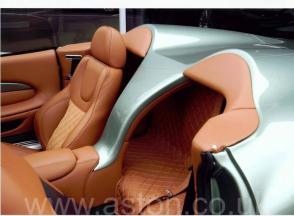 обзор Астон Мартин Aston Martin DB AR1 2004. Кликните для просмотра фото автомобиля большего размера.