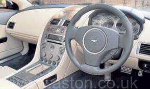 вид Астон Мартин Aston Martin AM DB9 Coupe 2007. Кликните для просмотра фото автомобиля большего размера.