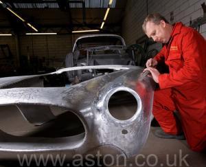 на трассе Астон Мартин Aston Martin DB2/4 Vignale 1954. Кликните для просмотра фото автомобиля большего размера.