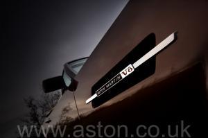 фото Астон Мартин Aston Martin V8 Volante 1985. Кликните для просмотра фото автомобиля большего размера.