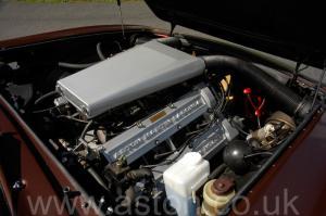 роскошный Астон Мартин Aston Martin V8 Volante 1985. Кликните для просмотра фото автомобиля большего размера.