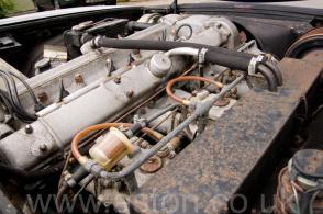 на трассе Астон Мартин Aston Martin DBS6 1970. Кликните для просмотра фото автомобиля большего размера.