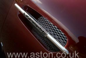 на трассе Астон Мартин Aston Martin DB5 Vantage Spec 1965. Кликните для просмотра фото автомобиля большего размера.