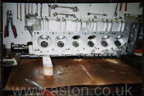 фотография Астон Мартин Aston Martin DB5 Vantage Spec 1965. Кликните для просмотра фото автомобиля большего размера.