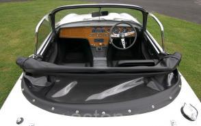 на трассе Лотус Lotus Elan S4 Open Sports 1971. Кликните для просмотра фото автомобиля большего размера.