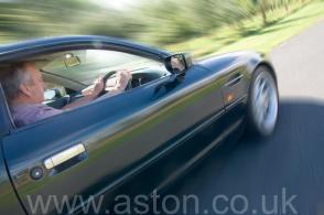 обзор Астон Мартин Aston Martin DB7 Coupe 1997. Кликните для просмотра фото автомобиля большего размера.