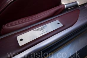 вид Астон Мартин Aston Martin DB9 2005. Кликните для просмотра фото автомобиля большего размера.