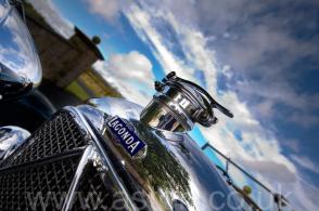 вид Астон Мартин Aston Martin Лагонда (Lagonda 2-Litre Supercharged Tourer) 1932. Кликните для просмотра фото автомобиля большего размера.