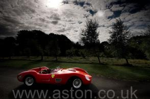 вид Феррари Ferrari 246S Dino Front Engine Sports Racer 1968. Кликните для просмотра фото автомобиля большего размера.