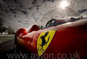 цвет Феррари Ferrari 246S Dino Front Engine Sports Racer 1968. Кликните для просмотра фото автомобиля большего размера.
