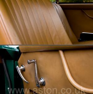 красивый Астон Мартин DB2/4 MkIII 1958. Кликните для просмотра фото автомобиля большего размера.