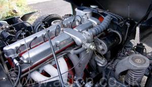 на трассе Астон Мартин DB2/4 MkIII 1958. Кликните для просмотра фото автомобиля большего размера.
