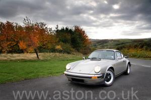фото Порше Porsche 911 SC Coupe 1982. Кликните для просмотра фото автомобиля большего размера.