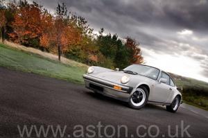 цвет Порше Porsche 911 SC Coupe 1982. Кликните для просмотра фото автомобиля большего размера.