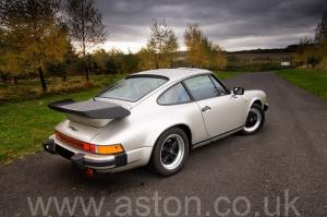 красивый Порше Porsche 911 SC Coupe 1982. Кликните для просмотра фото автомобиля большего размера.