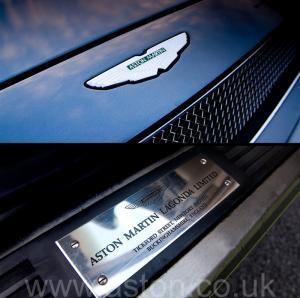 фотография Астон Мартин Aston Martin V8 Volante - LWB 2000. Кликните для просмотра фото автомобиля большего размера.