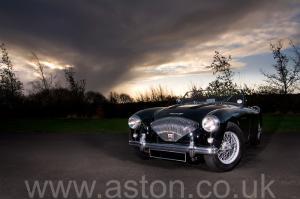 фотография Austin Healey 100M 1955. Кликните для просмотра фото автомобиля большего размера.