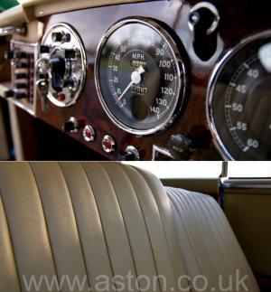 обзор Астон Мартин DB2/4 Mk 1 1955. Кликните для просмотра фото автомобиля большего размера.