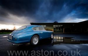 роскошный Астон Мартин DB2/4 Mk 1 1955. Кликните для просмотра фото автомобиля большего размера.