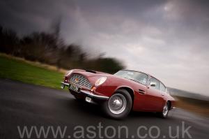 фото Астон Мартин DB6 MK II 1970. Кликните для просмотра фото автомобиля большего размера.