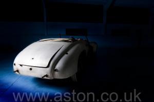 фото Астон Мартин DB1 1950. Кликните для просмотра фото автомобиля большего размера.