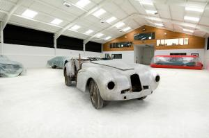 красивый Астон Мартин DB1 1950. Кликните для просмотра фото автомобиля большего размера.