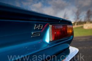 обзор Астон Мартин DBS V8 1972. Кликните для просмотра фото автомобиля большего размера.