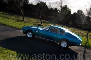 цвет Астон Мартин DBS V8 1972. Кликните для просмотра фото автомобиля большего размера.