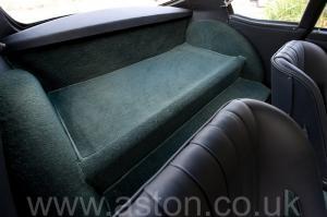 вид сзади Астон Мартин DB4 GT Zagato 1960. Кликните для просмотра фото автомобиля большего размера.