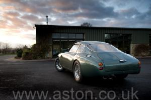 вид Астон Мартин DB4 GT Zagato 1960. Кликните для просмотра фото автомобиля большего размера.