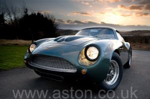 обзор Астон Мартин DB4 GT Zagato 1960. Кликните для просмотра фото автомобиля большего размера.