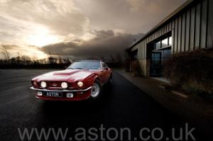 купить Астон Мартин V8 Coupe 1976. Кликните для просмотра фото автомобиля большего размера.