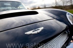 роскошный Астон Мартин DB6 Mk1 1968. Кликните для просмотра фото автомобиля большего размера.