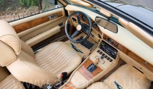 разгон Астон Мартин Воланте (Volante) 1982. Кликните для просмотра фото автомобиля большего размера.