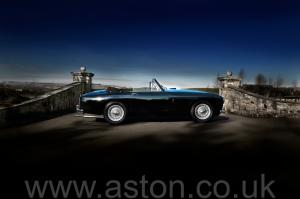 купить Астон Мартин DB2/4 MkIII DHC 1958. Кликните для просмотра фото автомобиля большего размера.