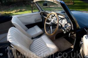 цвет Астон Мартин DB2/4 MkIII DHC 1958. Кликните для просмотра фото автомобиля большего размера.