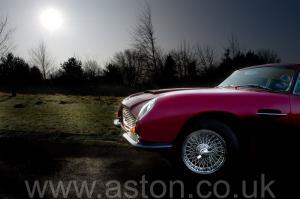 вид Астон Мартин DB6 Mk1 1969. Кликните для просмотра фото автомобиля большего размера.