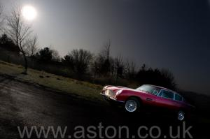 красивый Астон Мартин DB6 Mk1 1969. Кликните для просмотра фото автомобиля большего размера.