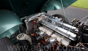 вид спереди Астон Мартин Последний DB2 Mk1 1953. Кликните для просмотра фото автомобиля большего размера.