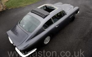 на трассе Астон Мартин DB6 Mk1 1969. Кликните для просмотра фото автомобиля большего размера.