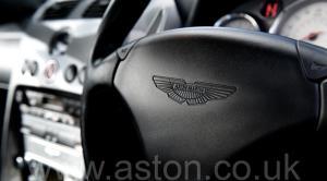 обивка Астон Мартин Вэнкуиш (Vanquish) 2003. Кликните для просмотра фото автомобиля большего размера.